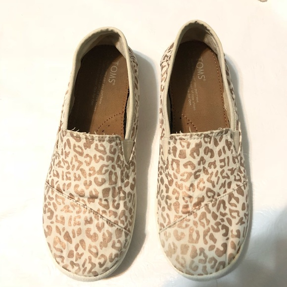 872e2d4baef Toms Avalon Girls Youth Size 5 Cheetah Foil. M 5b8b2334c2e88e9864f768ba.  Other Shoes ...